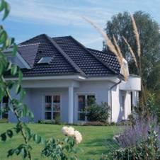 Dach mit Dachziegeleindeckung von Braas