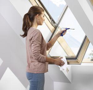 Schwenkbares Dachfenster