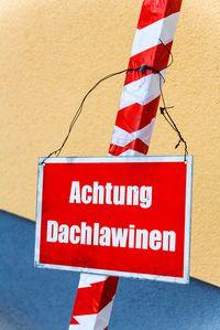 Ist ein Warnschild vor Dachlawinen Pflicht?