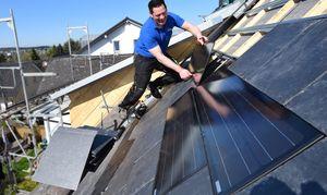 Für Dacharbeiten auf den Fachhanderwerker setzen