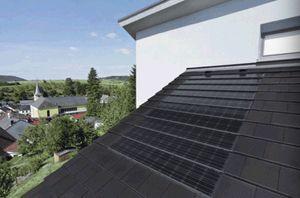 Solarthermie-Kollektoren auf dem Dach