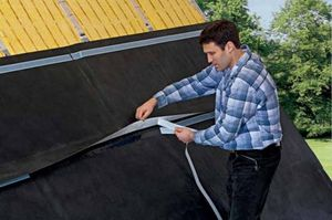 Verlegung von Dachdämmung