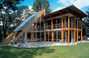 Zink in Verbindung mit Holz als stilistisches Element