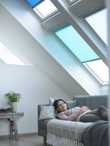 Sonnenschutz für Dachfenster auch als Wärmedämmung und Blickschutz