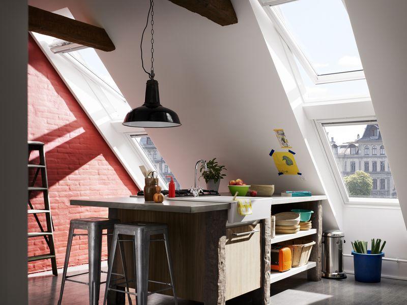 von haus aus gepflegt velux kunststoff fenster f r bad und k che. Black Bedroom Furniture Sets. Home Design Ideas