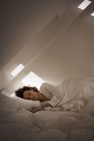 Ruhiger Schlaf mit Velux Schallschutz-Fenstern