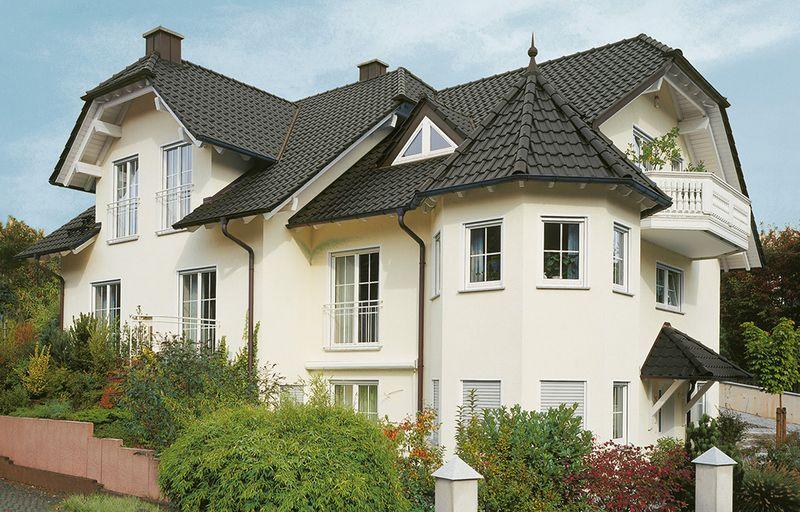 Dach aus Dachsteinen