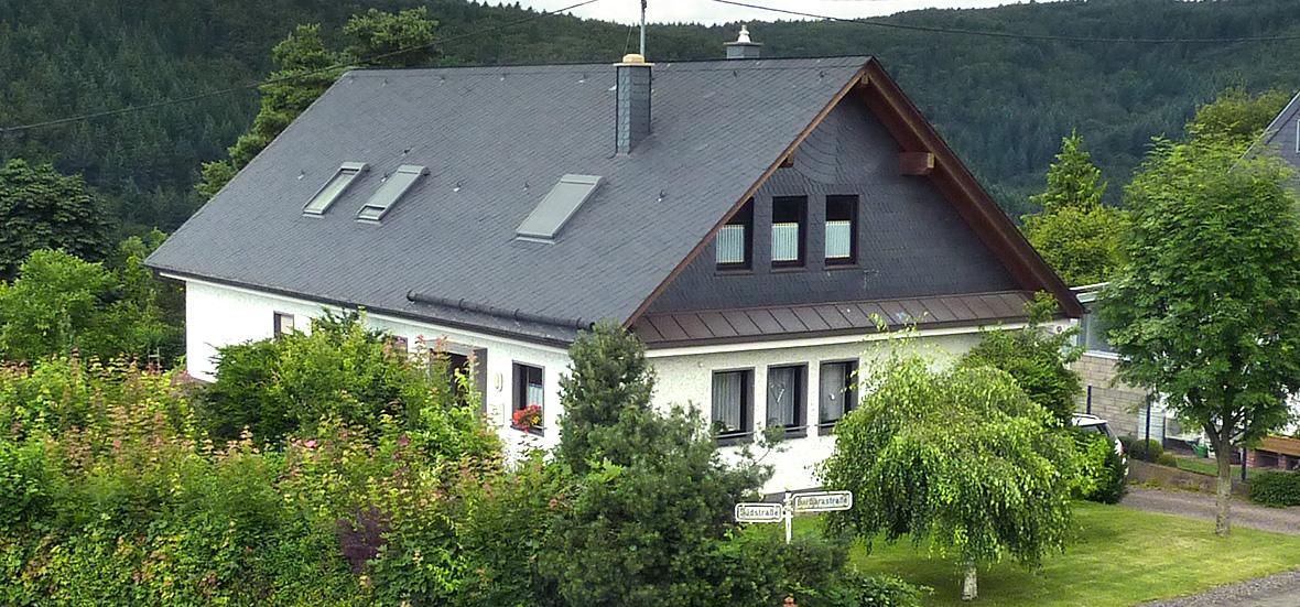 Beliebt Bevorzugt Dachsanierung beim Altbau: Warum Asbest runter muss - Erste Schritte &WS_43