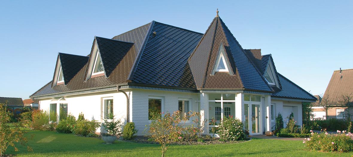 Farbige Dächer: Behörden vs. Buntheit – besser vorher fragen