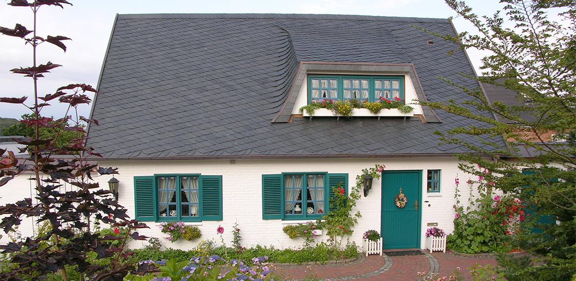Der beste Schutz gegen Regen ist… Neigung! Dann bleibt das Dach automatisch dicht.