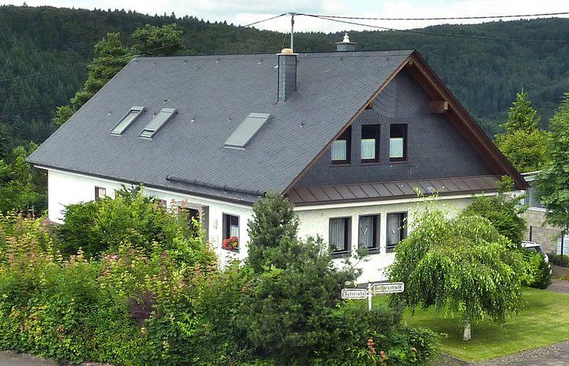 Über 1.000 Förderprogramme unterstützen Dachsanierung und Dachausbau