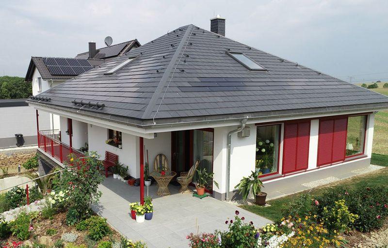 Solardach mit Schiefer