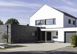 Neueindeckung oder Dachbeschichtung – was bringt den Erfolg?