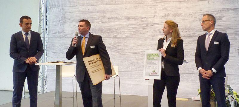 toom Baumarkt Nachhaltigkeitspreis 2015 an Isover verliehen