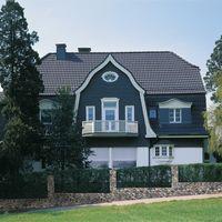 Formschöne Eindeckung mit Frankfurter Pfanne Matt Granit