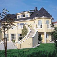 Villa mit Frankfurter Pfanne Seidenmatt Granit