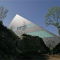Pyramide aus Schiefer