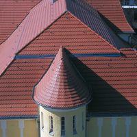 Post in Bernau mit Biberschwanzziegel Opal Standard